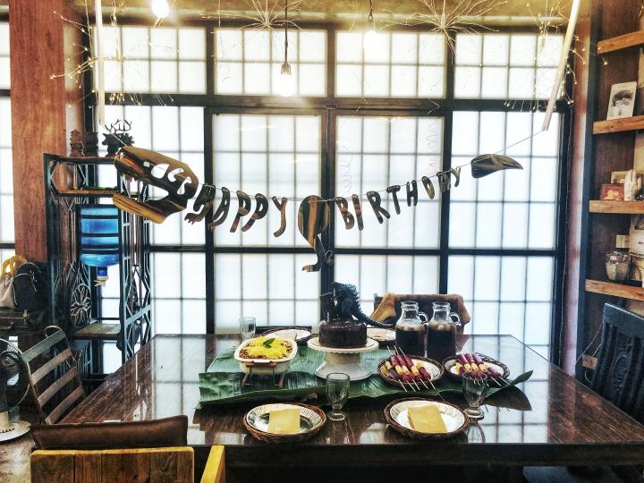 dinosaur themed birthday